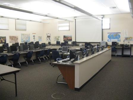 Image of Redwood Middle School Media Lab